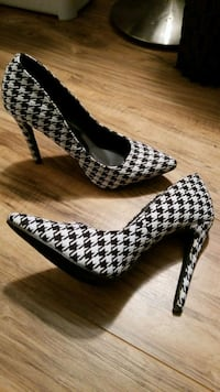 High heel shoes size 8.5
