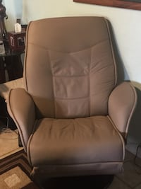 Padded tan faux leather recliner Somerton, 85350