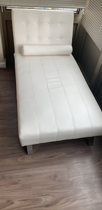 white and black bed mattress Arlington, 22202