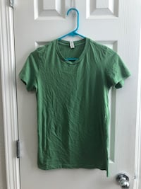 Bella green T-shirt Size Large Rancho Cordova, 95670