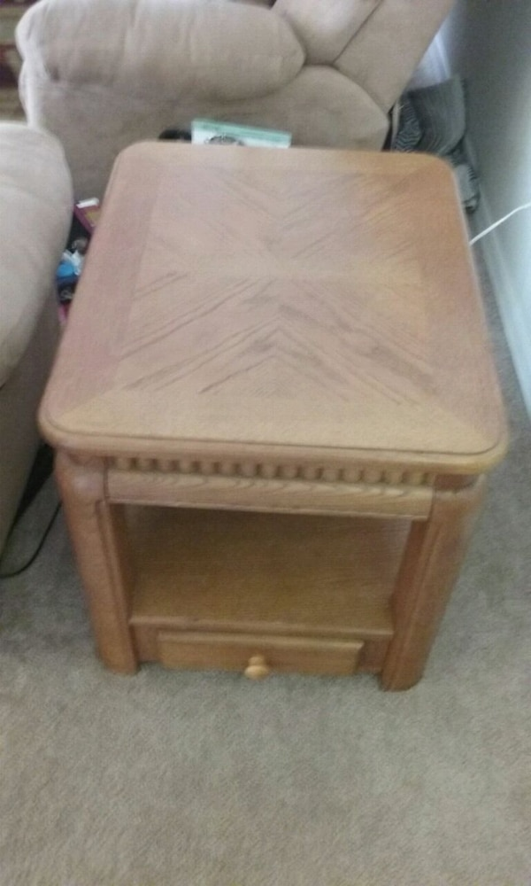 Murphy Coffee Table.Heavy End Table With Matching Coffee Table