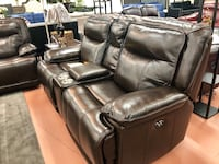 Top grain leather power reclining loveseat with console  Vancouver, 98683