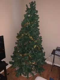 7ft Christmas Tree with lights included Dallas, 75204