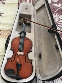brown violin with bow in case Yuba City, 95993
