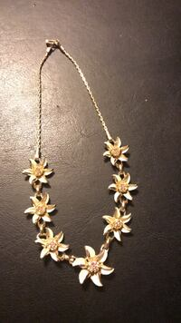 Vintage gold necklace  Fitchburg, 01420