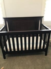 Brown baby crib with bamboo mattress San Juan Capistrano, 92675