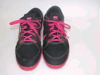 pair of black-and-pink Nike running shoes Vista, 92081