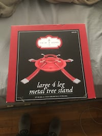 Large metal tree stand  Colonia, 07067