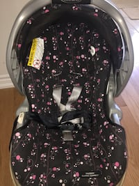 Graco Baby Car Seat & Base Brampton, L6R 2G5