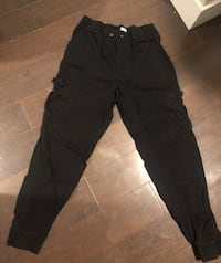 Ladies h&m outfit size medium ~ black cargo joggers + tee Surrey, V4N 6A2