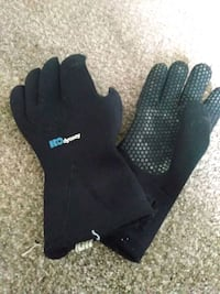 3 mm wetsuit gloves