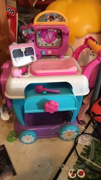white and pink plastic kitchen playset Woodbine, 21797