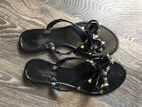 pair of black leather open-toe sandals Duluth, 30096