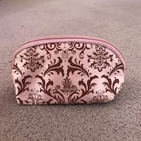 Make Up Bag Medium Size - Pink Damask Print. Condition is New.