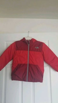 Young boys size 7 north face reversible coat Clarksburg, 20871
