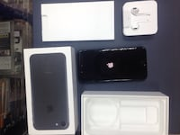 Телефон iPhone 7 Black 32gb