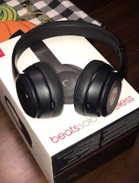 Beats solo 3 wireless SHIPPING ONLY!!! CASH APP ONLY, CASH APP ONLY!!! Stoney Creek, L8E 4Y8