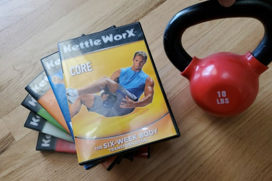 Kettle Worx 10lb Kettlebell & Exercise DVD's 0