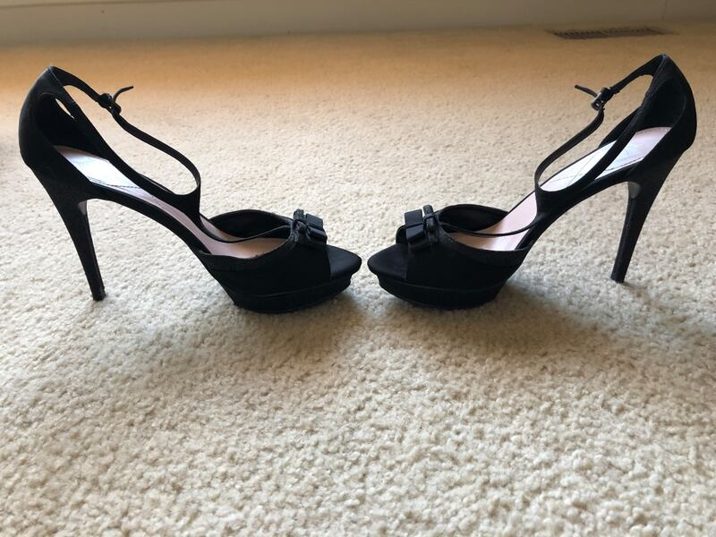 Shoes - size 8 1/2 Juicy couture black heels 8ade5777-e680-4530-aa4f-d9f04ab5d8f8