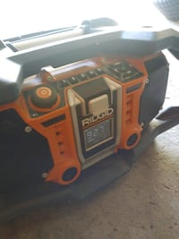 ridgid deluxe radio . can  use the 20 volt battery London, N6E 1J4