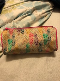 Feather Makeup Bag (Brand New) LaGrange, 30241