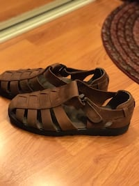 pair of brown leather open-toe wedge sandals Burnaby, V3N 2P5