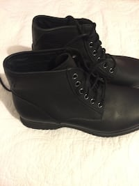 Pair of black leather boots Camarillo, 93010