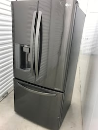 """LG French Door Refrigerator 33"""" Wide (delivery included)"""