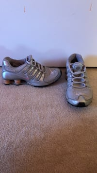 Nike Shox Silver and Baby Pink Sneakers size 8.5 Herndon, 20170