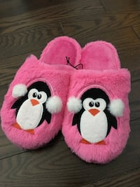 Pink Penguin Slippers - Size M Whitchurch-Stouffville, L4A 0Z1