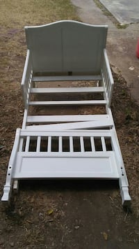 Kids bed in good condition without mattress Killeen