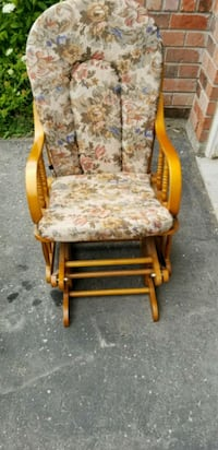 brown wooden framed brown and red floral padded ar East Gwillimbury, L9N 0C2