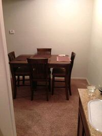 Dining table and chairs Scottsdale, 85258