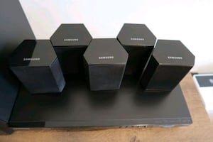 Samsung 5.1-Channel 3D BLU-RAY Home Theater Speakers (wifi)