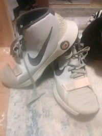 pair of gray Nike basketball shoes Edwardsville, 66111