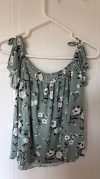 gray and black floral sleeveless top Laval, H7X 3J3