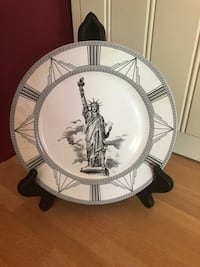 Decorative plates with stand - new