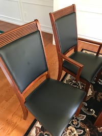 Dining table with chairs  Ellicott City, 21042