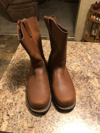 pair of brown leather boots Yulee, 32097