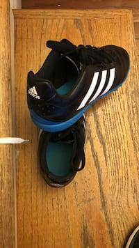 white-black-blue Adidas soccer cleats Charleston, 25311