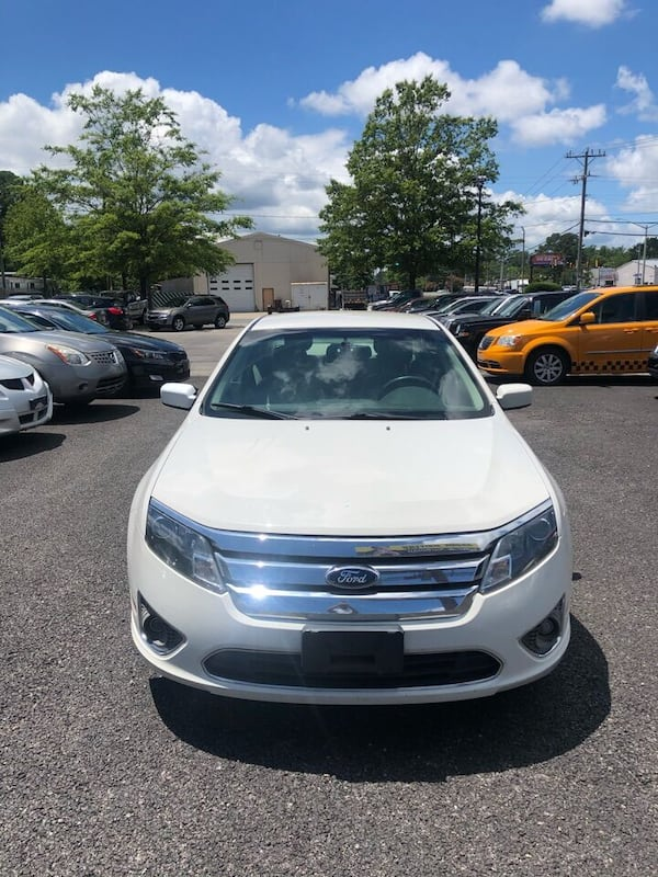 Ford-Fusion-2011 8bbb5442-2fee-420d-9a8c-62ad704fce8d