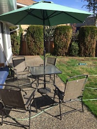 patio set 4 chairs with table and umbrella  Surrey, V4N 3G8