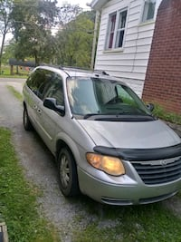 Chrysler - Town and Country - 2005 Youngstown