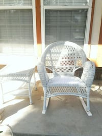 wicker rocking chair and table Denver, 80249