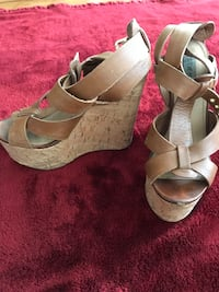Steve Madden Brown Strappy Wedges Size 6