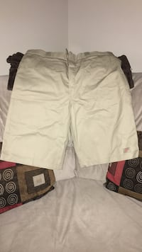 Dickie shorts size 38 Burlington, L7R 1J7