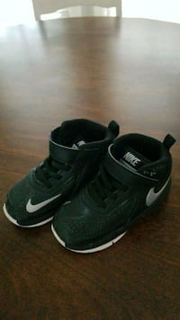 Nike toddler sneakers, size  7 Cary, 27519