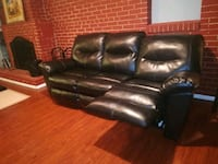 Leather black couch New Temple Hills, 20748