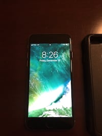 Iphone 6 32gb with otterbox and apple case