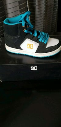 DC skaters shoes high top 4Y